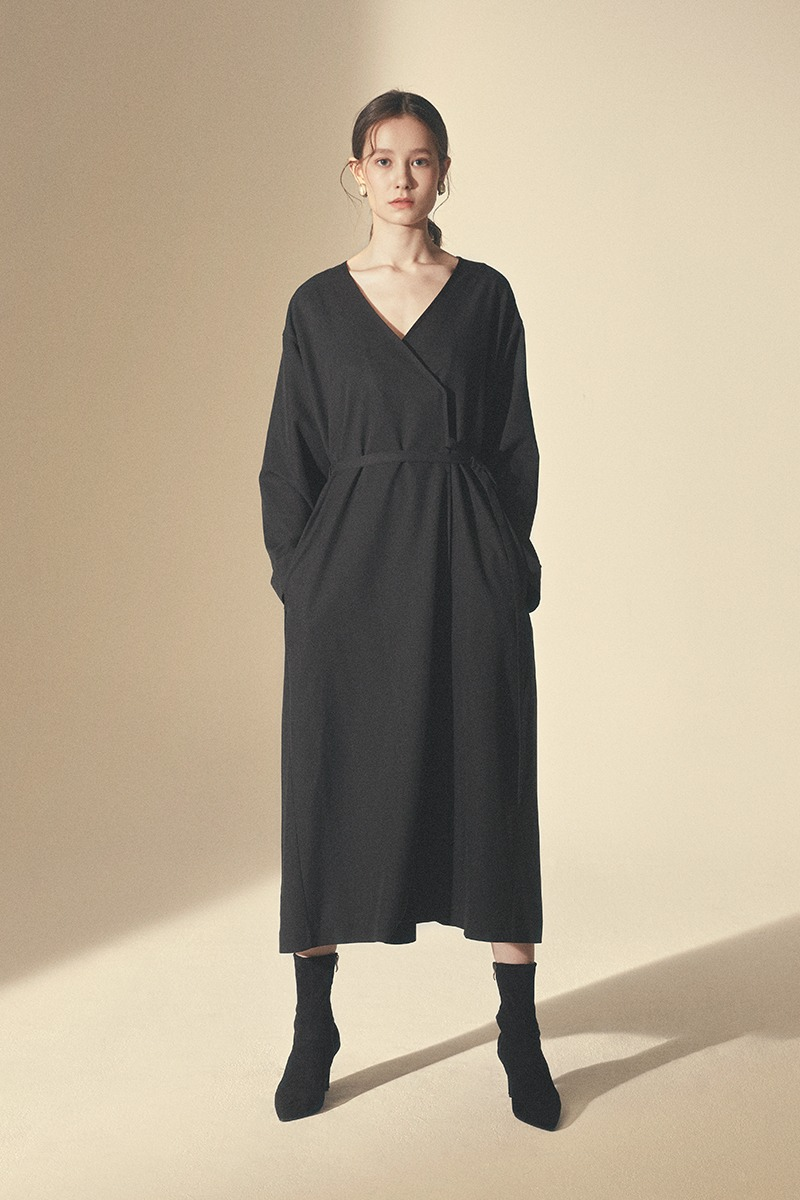 STRING ONE-PIECE ROBE_Black